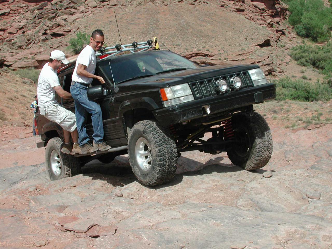 2000 Jeep Grand Cherokee Pictures C2404 also 2006 Jeep Liberty Serpentine Belt Diagram likewise Top 1999 2000 2001 2004 Jeep Grand Cherokee Kopfeinheit Auto A V Dvd Radio Gps Navigation Bluetooth Musik Tv Tuner Lenkrad Steuerung Zwei Zonen Ipod Aux T6096 further File '99 '01 Jeep Cherokee Sport as well 2011. on 2001 jeep grand cherokee